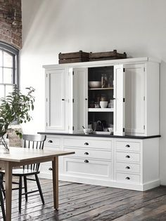 Oak Kitchens | Henley Collection | Neptune Kitchen Dresser, White Kitchen Cabinets, Kitchen Shelves, Cupboards, Kitchen Furniture, Shaker Kitchen, New Kitchen, Kitchen Dining, Kitchen Ideas