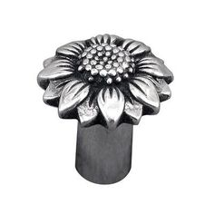 "Vicenza Designs Carlotta Flower Novelty Knob Finish: Antique Nickel, Size: 1"" H x 1"" W x 1"" D"