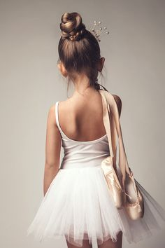 ballet, dance, little girl ballerina Ballet Pictures, Dance Pictures, Ballet Barre, Ballet Dancers, Ballerinas, Baby Ballet, Ballet For Kids, Ballet Class, Royal Ballet