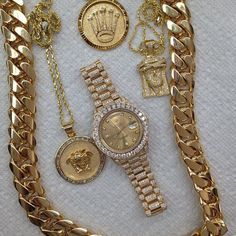 Hola, This pin has an array of Rolex Gold and diamonds with high line polished finish. This looks like Gold with the President Brand. Garnet Jewelry, Gold Jewelry, Jewelry Accessories, Fine Jewelry, Jewellery, Turquoise Jewelry, Gemstone Jewelry, Jewelry Rings, Gold Necklace