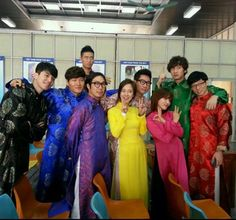 """""""Running Man"""" is coming to Vietnam!SBS To Produce """"Running Man"""" And 3 Other Shows In VietnamOn April it was reported that SBS would be partnering with Vietnamese investment company Madison Group to produce four new television shows in Vietnam. Gary Running Man, Running Man Funny, Running Man Song, Running Man Cast, Running Man Korean, Ji Hyo Running Man, Couple Running, Running Man Members, Korean Tv Shows"""
