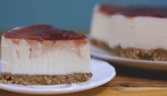 """¡NUEVA RECETA! Ya podéis encontrar la receta de Cheesecake en el blog, en la sección """"De siempre"""" :) ¡No os la perdáis! unpocodecrema.hol.es Desserts, Blog, Tailgate Desserts, Dessert, Postres, Deserts"""