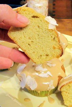 Kokosowe muffiny biszkoptowe z cytrynowym lukrem – Spiżarnia Sikorek