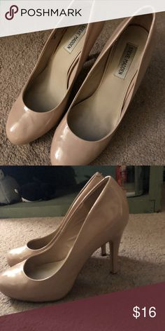 Nude patent leather heels, size 10