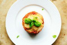La ricetta perfetta della parmigiana di melanzane. Gnocchi, Baked Potato, Quiche, Side Dishes, Recipies, Muffin, Food And Drink, Vegetables, Breakfast