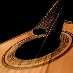 Searching the best luthiers for International Guitar Fair, Seville - September Potuguese Guitars