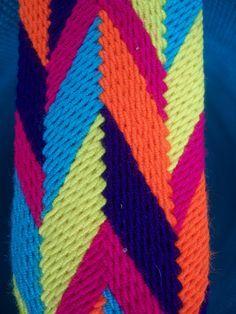 tira wayuu - Buscar con Google Tapestry Bag, Braids, Pattern, Handmade, Blanket, Color, Crochet Bags, Tapestries, Google