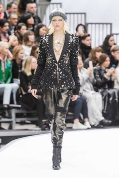 chanel fw17 look 88