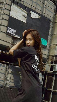 Kim Jennie, Yg Entertainment, Blackpink Fashion, Fashion Outfits, Blackpink Photos, Pretty Asian, Blackpink Jisoo, How To Pose, South Korean Girls