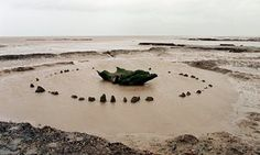 Seahenge oak circle Holme-Next-the-Sea, Norfolk: Seahenge, which is also known as Holme I, was a prehistoric monument located in the village of Holme-next-the-Sea, near Old Hunstanton in the English county of Norfolk. A timber circle with an upturned tree Ancient History, Ancient Egypt, Ancient Ruins, European History, Ancient Artifacts, Ancient Greece, American History, North Sea, National Photography