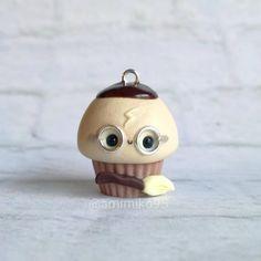Holaa !! Algunos ya os disteis cuenta de que estaba haciendo a Harry y síii, he hecho este cupcake inspirado en Harry Potter para todas…