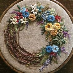끝내고 나니 때맞춰 찾아 온 감기...#embroidery #needlework #handmade #stitch