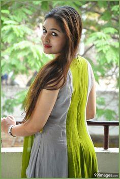 Android Wallpaper - Prayaga Martin Beautiful HD Photoshoot Stills - Beautiful Girl Indian, Beautiful Indian Actress, Beautiful Actresses, Beautiful Women, Beauty Full Girl, Beauty Women, Prayaga Martin, Thing 1, South Indian Actress