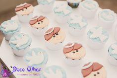 30 ideias pra organizar um batizado lindo! Mini Cupcakes, Cupcake Cakes, Religious Cakes, Cupcakes Decorados, Baby L, Baptism Party, Ideas Para Fiestas, Celebration Cakes, Communion