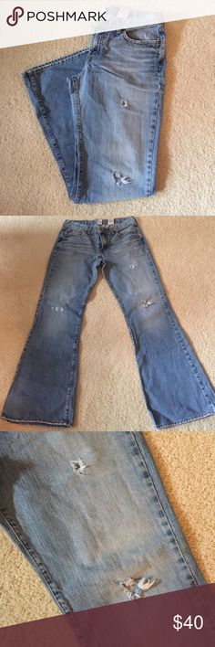 "Lucky Brand Distressed Sweet N Low Jeans Excellent condition except for minor fraying on leg hems. 100% cotton, size 12/31. 5 pocket, low rise zip fly. Inseam 31"", front rise 9"", waist 32"", leg opening 11"". Not from a smoke-free house. (25) Lucky Brand Jeans Flare & Wide Leg"