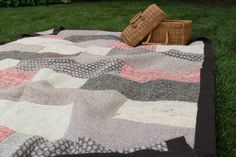 Http%3a%2f%2fmashable.com%2fwp-content%2fgallery%2fdiy-ways-to-reuse-your-old-sweaters%2fsweaterblanket