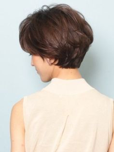 Classic short hair style