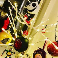 Zac Efron Tree is Love you guys. Zac Efron, Christmas Bulbs, Love You, Hollywood, Guys, Halloween, Holiday Decor, Image, Instagram