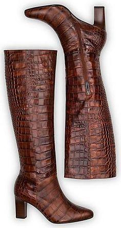 ►Trend-Look: CROCO◄ Der mittelbraune Stiefel von Peter Kaiser sorgt für grandiose Auftritte. Durch das geprägte Leder im angesagten Kroko-Design wird hier ein Look geschaffen, der hochwertig und stylisch ist. Das Modell ist ein stylischer Begleiter für sämtliche Anlässe. Zudem schließt ein klassischer Reißverschluss unkompliziert und sicher. Python, Peter Kaiser, Wilde, Heeled Boots, Sneaker, Heels, Design, Fashion, Medium Brown