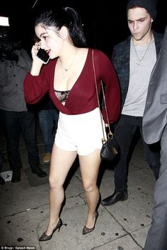 Ariel Winter shows off her lace bra under low-cut top on date night Hottest Female Celebrities, Celebs, Celebrities Fashion, Ariel Winter Modern Family, Ariel Winter Hot, Arial Winter, Black Lace Bra, Actor Model, Books