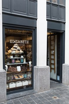 Elisabeth Chocolatier // Brussels // photo via 70percentpure.be