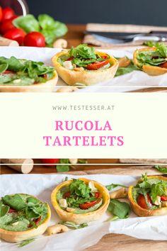 Zu viel Mürbteig gemacht oder haben sich Gäste angekündigt? Dann sind die kleinen grünen Tartelettes mit Rucola, Sauerrahm und Tomaten genau das richtige! Tacos, Mexican, Ethnic Recipes, Food, Tomatoes, Food Food, Recipes, Eten, Meals
