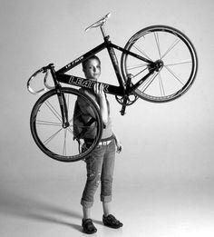 holding on Urban Bike, Retro Bike, Fixed Gear Bike, Cycling Bikes, Cycling bc8c155f27