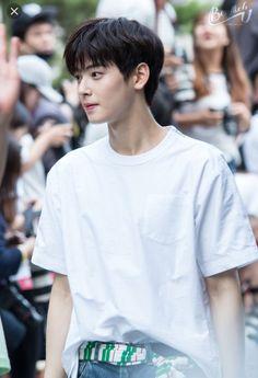 my hubby is handsome! Korean Men, Asian Men, Korean Celebrities, Korean Actors, Celebs, Cha Eunwoo Astro, Lee Dong Min, K Wallpaper, Korea Boy