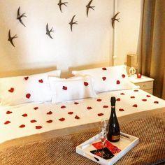 Per il giorno più romantico dell'anno come si può privarsi del piacere di uno splendido soggiorno in una location paradisiaca?!  Contattaci per scoprire tutte le offerte e i dettagli al meraviglioso massaggio in camera che vi offriamo -9  We are waiting for... http://www.sottolestellepicinisco.it/ #luxury #benessere #hotel #albergodiffuso #like4like #sanvalentino