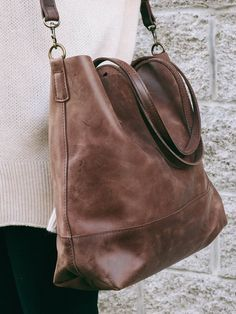 Abera Crossbody Leather Tote can be worn over the shoulder, or across your body, and is the ideal size to function as your work bag or as your everyday purse //