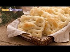Focaccia from Genoa ( focaccia alla genovese ) recipe,The fragrance and flavor of the focaccia from Genoa makes this ancient recipe one of the most appreciated all over Italy and beyond! Wine Recipes, Bread Recipes, Slow Food, Ancient Recipes, Italian Recipes, Food And Drink, Favorite Recipes, Cooking, Wine