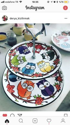 Derya kızılırmak-Lalenaz çini Pottery Painting, Ceramic Painting, Ceramic Art, Basic Painting, Diy Painting, Owl Kitchen, Sharpie Crafts, Pottery Sculpture, China Painting