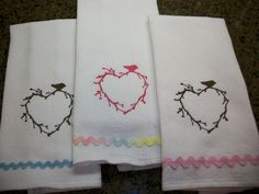 Twigs heart towel