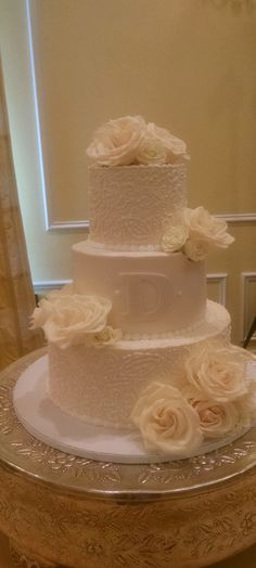 Find This Pin And More On FloDim Wedding Receptions Beautiful Cake With Open Vendella Roses At The Carolina Inn Chapel Hill NC