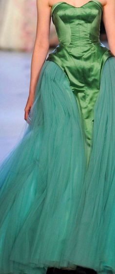Zac Posen Spring 2013 RTW, love the color combo Style Couture, Haute Couture Dresses, Couture Details, Fashion Details, Couture Fashion, Runway Fashion, Fashion Design, Zac Posen, Green Fashion