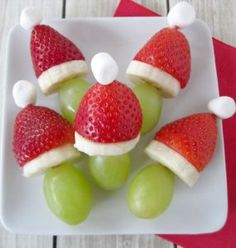 Grinch Fruit Kabobs food recipes christmas christmas recipes christmas ideas christmas food christmas party favors christmas desserts ideas for christmas healthy christmas food Christmas Party Snacks, Snacks Für Party, Christmas Desserts, Holiday Treats, Christmas Baking, Holiday Recipes, Christmas Cheese, Family Christmas, Christmas Fruit Ideas
