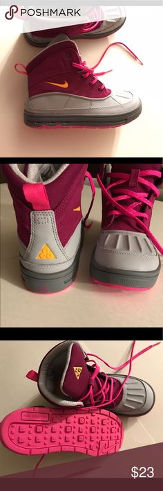 Youth Size 3 Nike ACG Sneaker Boots Like new Magenta and Grey Nike ACG's Nike Shoes Boots