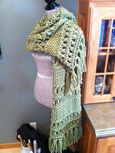 Sweet Grass chunky prayer shawl - CO 33   K2 tog, yo, K2 tog, yo, K1  Loops and Threads cozy wool 4 skeins