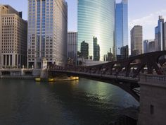 Get a historical grasp of the city. I highly recommend starting your trip with the Chicago Architecture River Tour. www.chicagoline.com