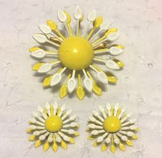 Vintage Enamel Daisy Flower Brooch Pin Clip Earring Set | Jewelry & Watches, Vintage & Antique Jewelry, Costume | eBay!