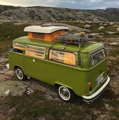 Living and traveling in a campervan can be really fun and exciting. If you are looking for guide and tips on camper living, check out our site. Vw Camper Bus, Hippie Camper, Volkswagen Bus, Volkswagen Beetles, Campervan Hacks, Campervan Hire, Campervan Interior, Vans Vw, Combi T2