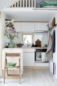 Unique Home Decor, Cheap Home Decor, Beautiful Small Homes, Cosy Home, Compact Living, Scandinavian Home, Decorating Small Spaces, Small Space Living, Home Decor Accessories
