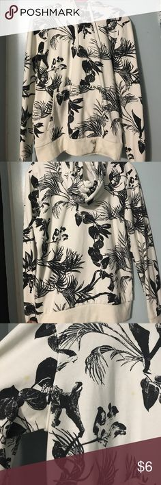 H&M FLORAL HOODIE Fair Condition H&M SWEATER IN A SIZE MEDIUM. THIS DOES HAVE 2 MINOR STAINS & A DIRT SPOT THAT'S SHOWN IN THE PICTURES, I HAVE WASHED IT BUT, IT DOES NOT COME OUT UNFORTUNATELY:( HENCE THE PRICE ON THIS. USE TO LAY AROUND OR EVEN GETTING YOUR HANDS DIRTY ☺️. H&M Sweaters
