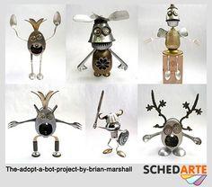 Robot assemblati con materiali di riciclo dal creativo americano Brian Marshall! Qui ne potete visionare altri...   http://thedesigninspiration.com/articles/the-adopt-a-bot-project-by-brian-marshall/
