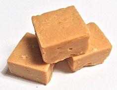 Sahnekaramell ist einfach herzustellen. Er verbreitet für Karamell-Fans einen verführerischen Duft. Als Toffee klebt er allerdings am...