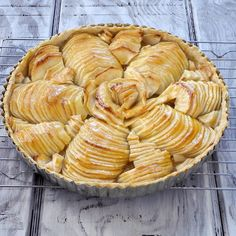 Wow! This looks divine and challenging. From Calculu∫ to Cupcake∫: French Apple Tart