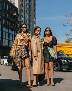 Charlie's Angels vibes at the show 💛 swipe left to see the gif 💛w/ 📸 by . London Photographer, Female Models, Women Models, London Fashion, Streetwear Fashion, Street Wear, Street Style, Luxury, How To Wear