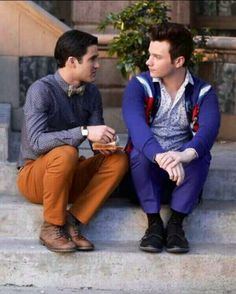"""HQ New 5.20 """"The Untitled Rachel Berry Project"""" Episodic Stills GLEE: Kurt (Chris Colfer, R) and Blaine (Darren Criss, L) share a moment in the """"The Untitled Rachel Berry Project"""" season finale episode of GLEE airing Tuesday, May 14 (8:00-9:00 PM ET/PT) on FOX."""