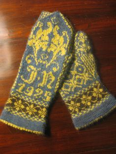 http://www.ravelry.com/projects/sophiphi137/nhm-10