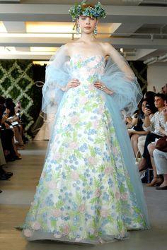 Oscar De La Renta Classic Gowns #Oscardelarenta #designer #inspiration #kissesandcake  Read about his passing: http://www.kissesandcake.com.au/blog-project-management/2014/10/20/rip-oscar-de-la-renta